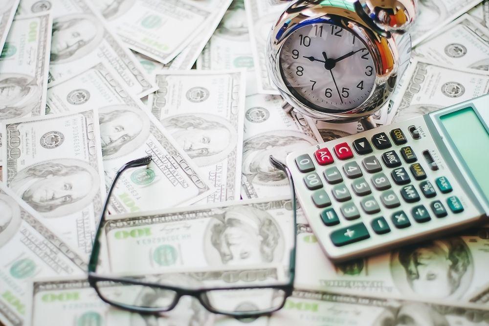 O caminho para o sucesso é aprendendo como juntar dinheiro