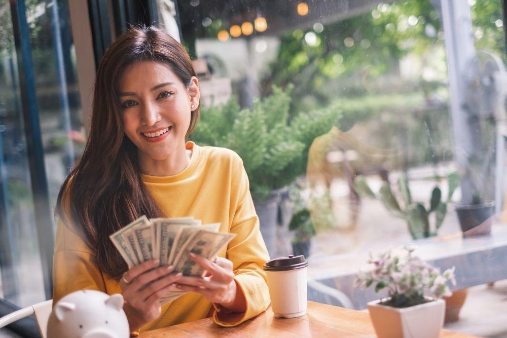 Aprender como juntar dinheiro é importante para ter uma independência financeira