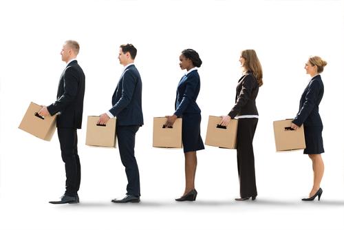 Quem está desempregado no Brasil pode encontrar grandes filas para procurar emprego