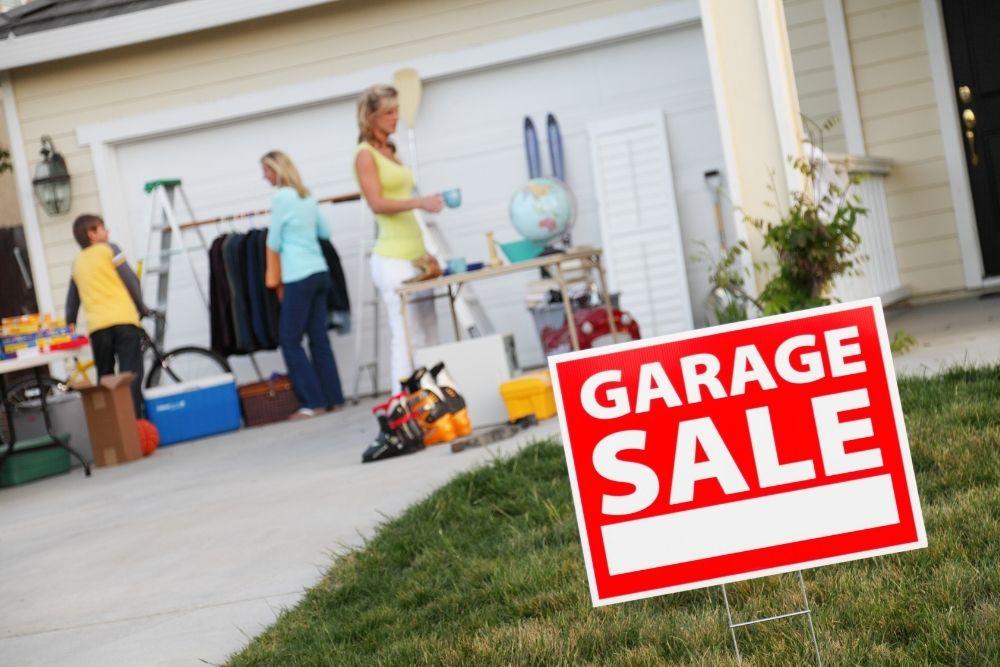 """Ganhar Dinheiro Em Casa Com """"Garage Sale"""""""