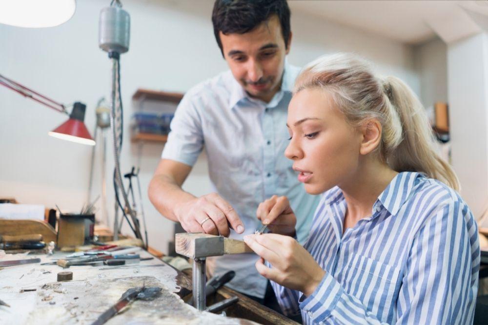 Ganhar Dinheiro Em Casa Dando Aulas de Artesanato