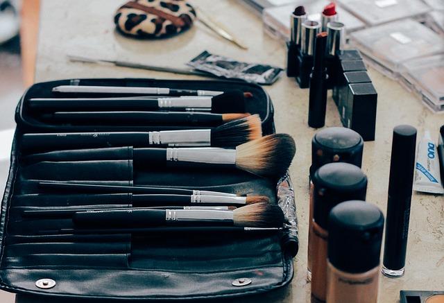 Como vender pela internet kit de maquiagem