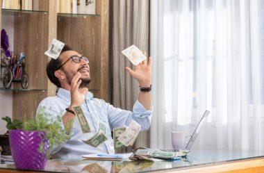 Guia definitivo sobre como ganhar dinheiro na internet em casa